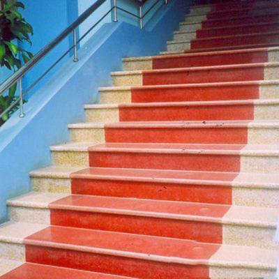 Đá ốp cầu thang đỏ nhuộm