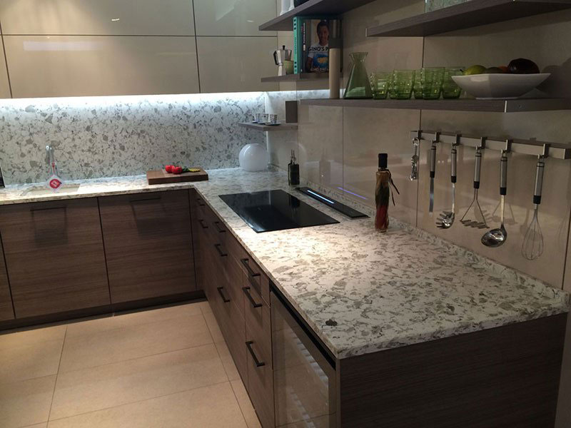 Bàn bếp Đá Granite trắng Alaska
