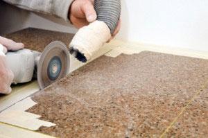 Cắt tấm đá bàn bếp Granite