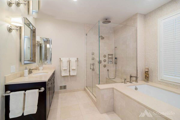 Phòng tắm đá nhân tạo