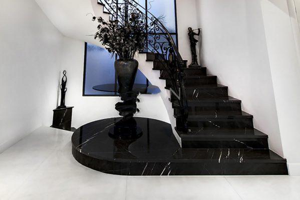 Đá ốp cầu thang màu đen Marble