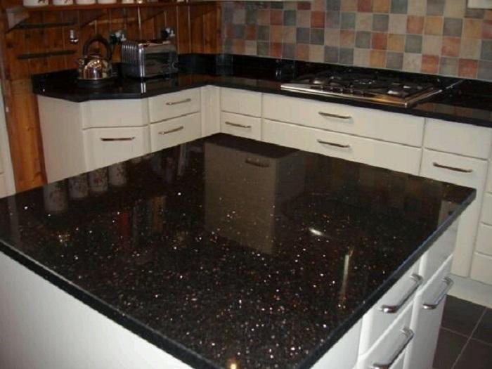 giá đá granite làm mặt bếp KIm Sa Bắp