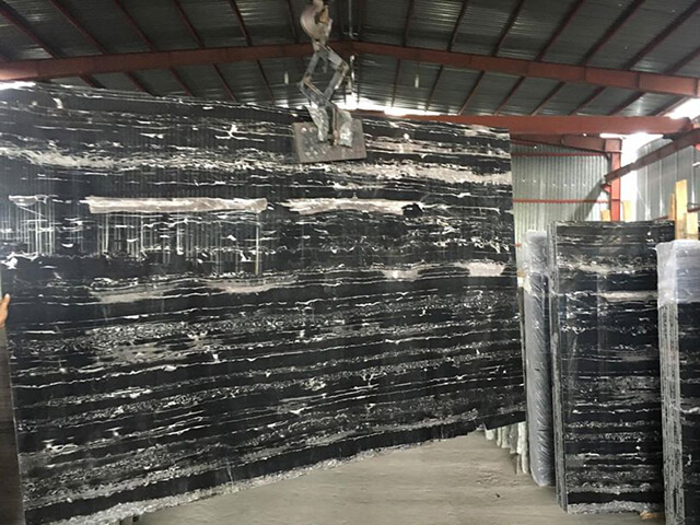 đá marble đen hoàng gia
